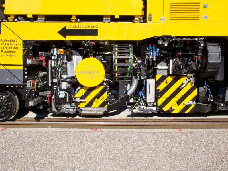 Schienenfräs- und Schleifzug MG11