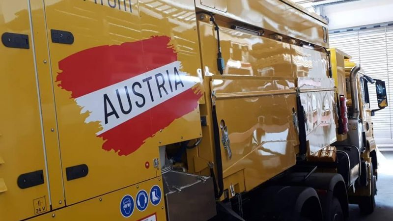 LINSINGER Rail-Road-Truck for Rail Milling in North America , Linsinger Truck für Nord Amerika ausgeliefert